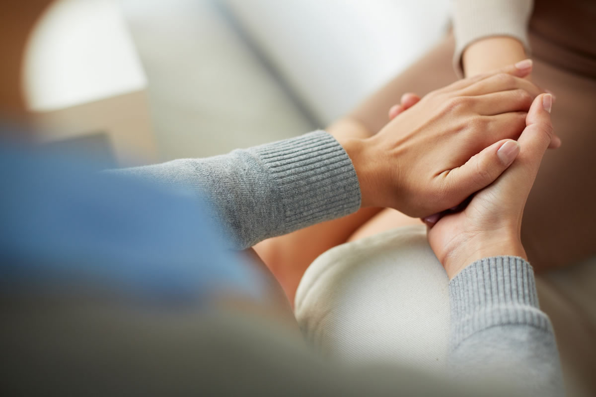Four Ways to Support a Friend That's Grieving