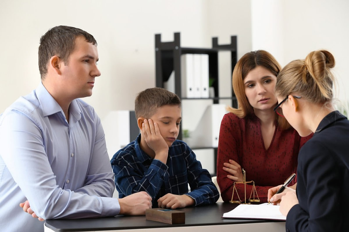 How You and Your Family Can Benefit from Family Counseling